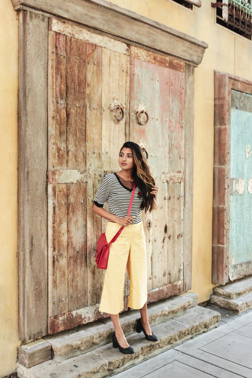 stripes-yellow-pants-petite-style-blogger 5