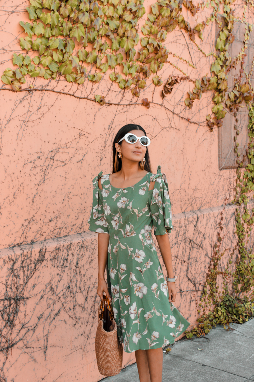 green-floral-dress-midi-blogger-outfit 7