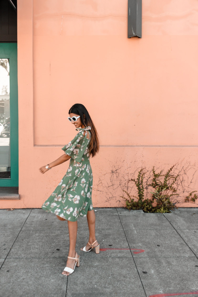 green-floral-dress-midi-blogger-outfit 8