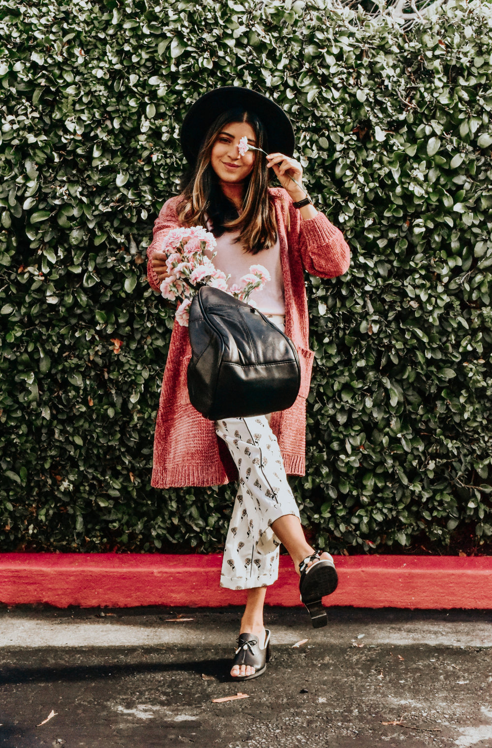 chenille-cardigan-pink-blogger-outfit 10