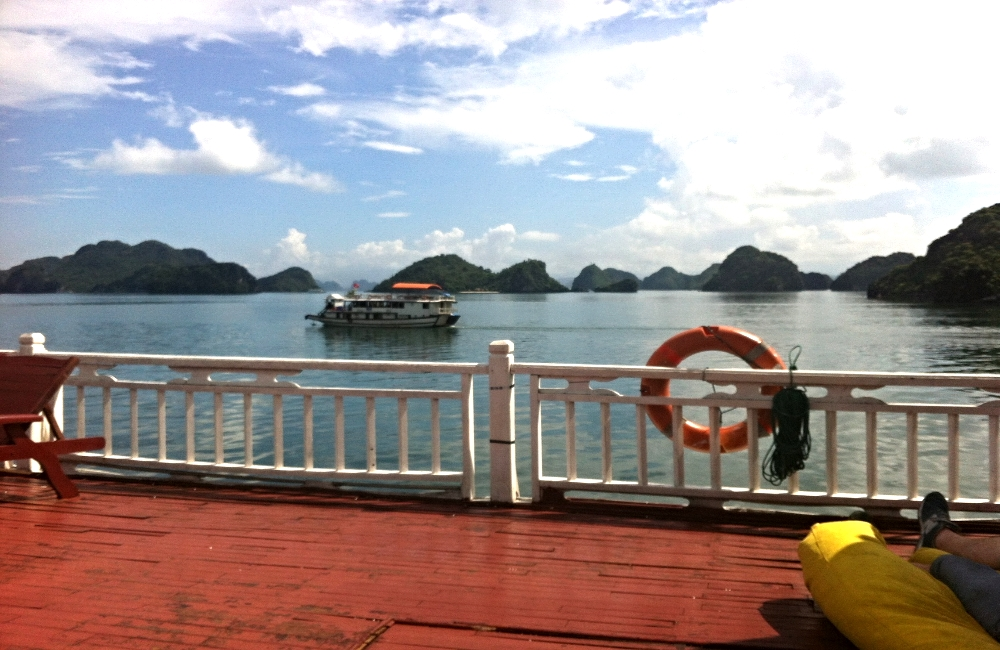 BOAT CRUISE: HALONG BAY, VIETNAM