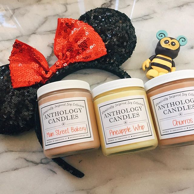 For all you #disney fans, these candles make me feel like I'm walking down Main St. #disneymagic #dolewhip #7dollarchurro #mainstreet #electricalparade #etsy #sashagems #faves #anthologycandles #soycandles