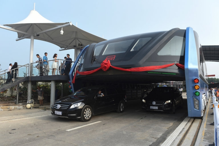 "The ""Straddling bus"" set to launch in China"