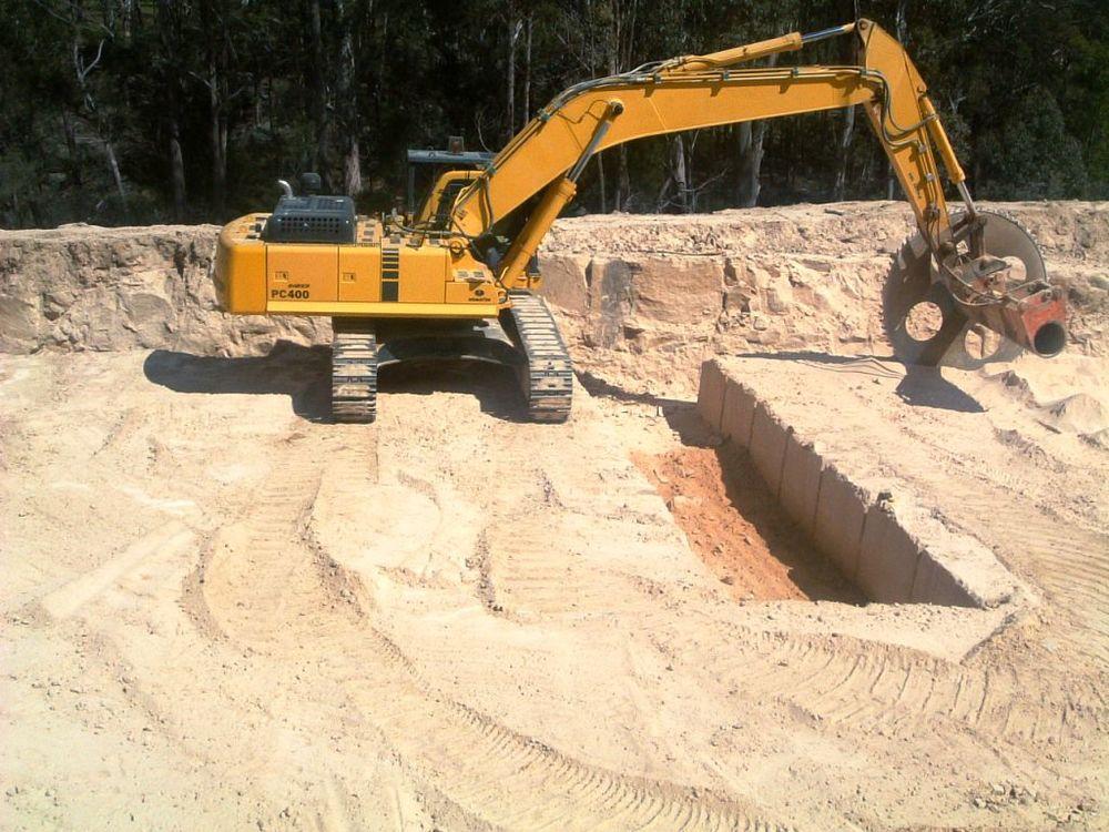 Quarry excavator.jpg
