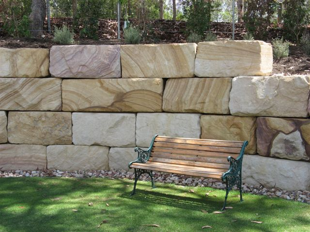Gosford Retaining wall blocks.1.JPG