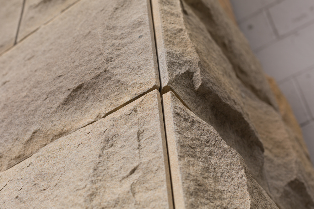 Lindfield Grey - Rockfaced Cladding with Birdsmouth Joint.jpg