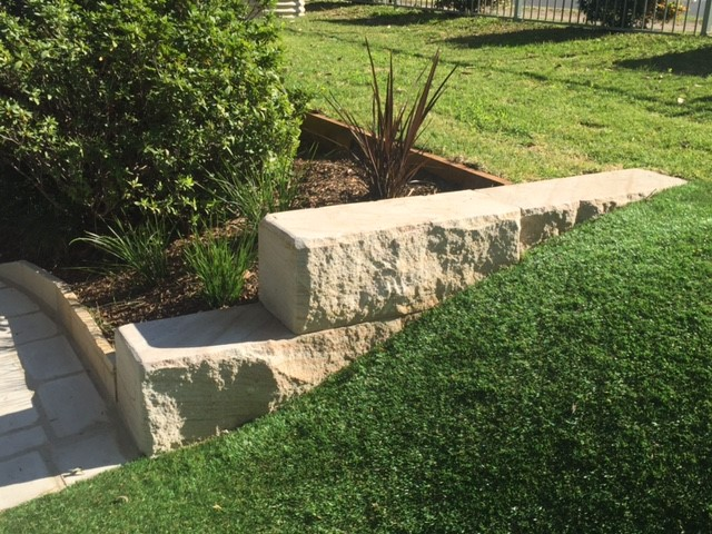 billet retaining wall edging.jpg
