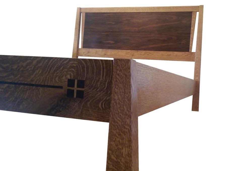 Craftsman-Influenced Oak Bed
