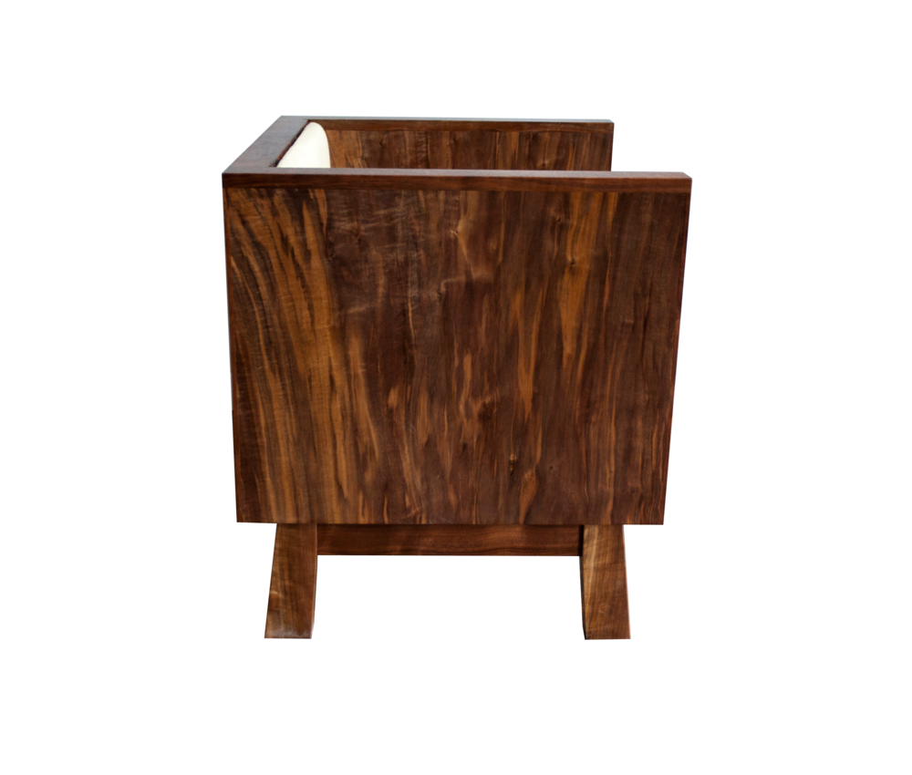 Cube chair side pic.png