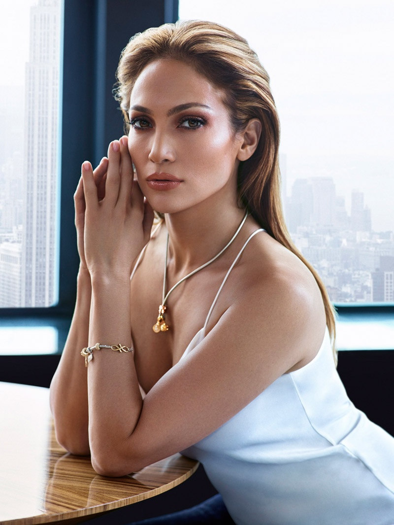 Who doesn't want to look like J. Lo? I mean, seriously.