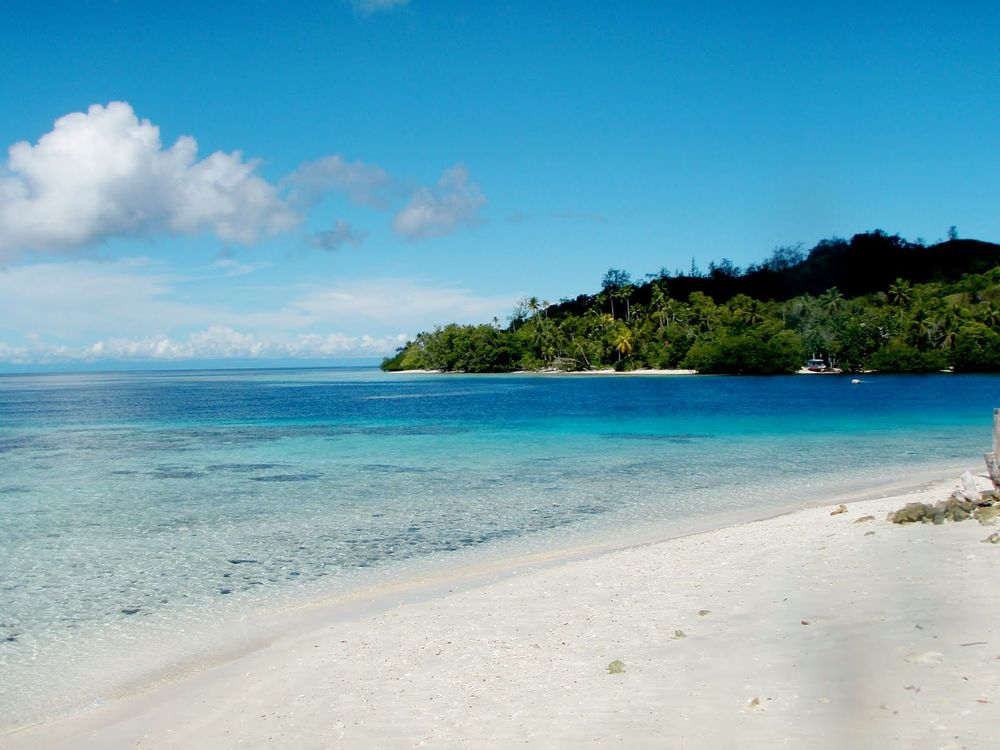 Uepi Island Resort. -Marovo Lagoon