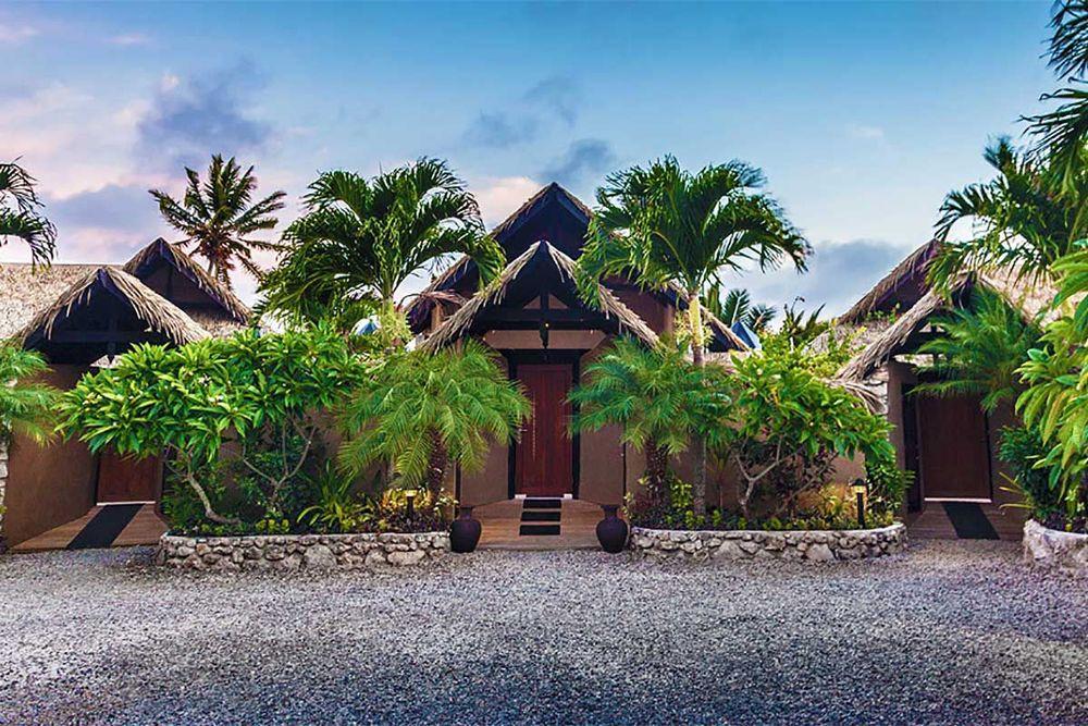 villa-exterior-courtyard-side-1-1200x800.jpg