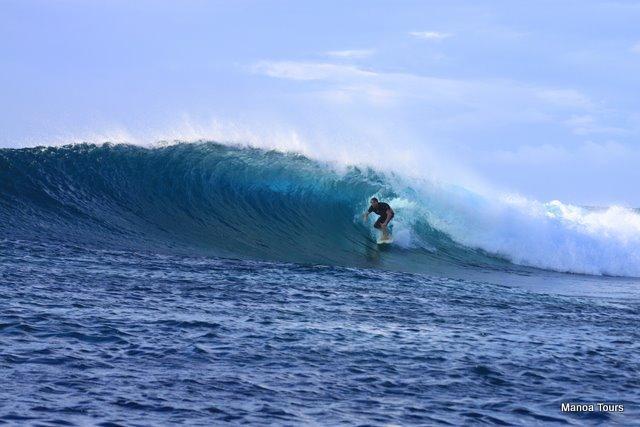 5_Samoa_surfing_right_barrel.JPG_0_0.jpg