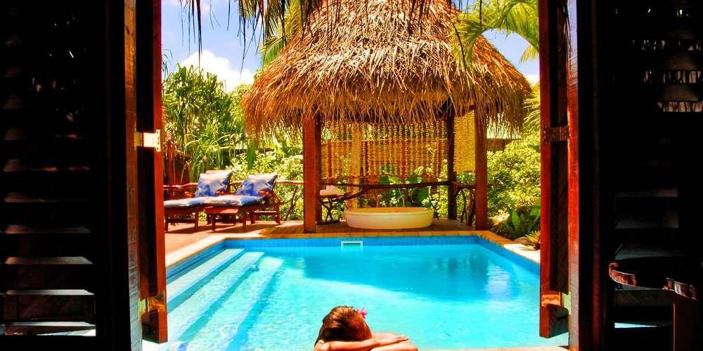 alr-villa-dayroom.jpg.1360x678_default.jpg