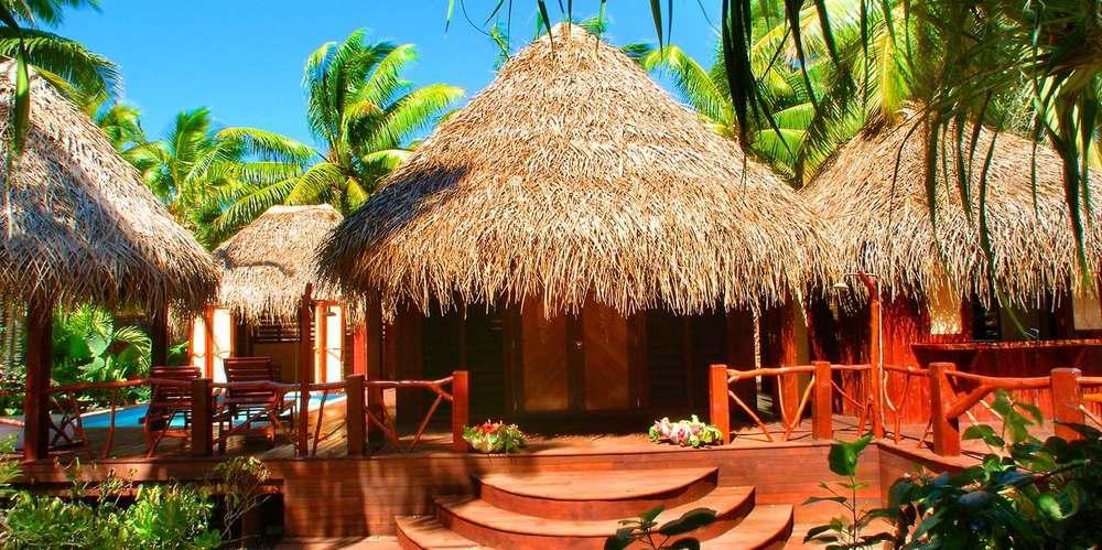 alr-villa-ext.jpg.1360x678_default.jpg