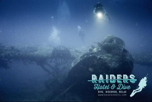 004_Raiders-Hotel-Dive-483x325.jpg