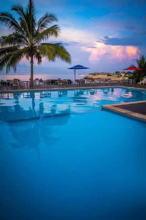 heritage-park-hotel-pool-1.jpg