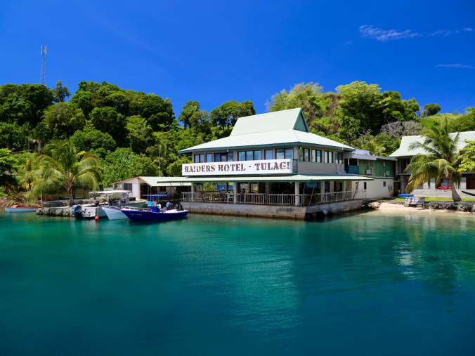 RAIDERS HOTEL AND DIVE -