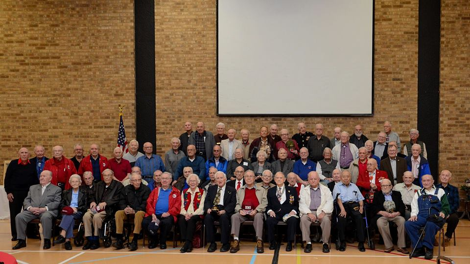 Our swell crowd of WWII veterans. (Photo Credit: Joe Schneider)