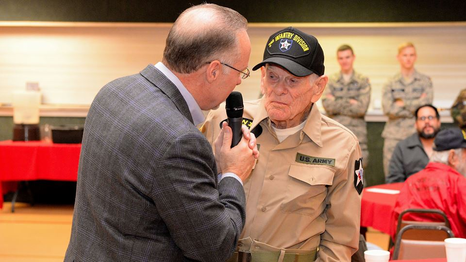 Mr. Boldt interviews one of our new veterans, 99 year-old Homer Cox. (Photo credit: Joe Schneider)