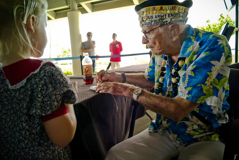 Al Bodenlos  1920 - November, 2014  804th Engineer Aviation Battalion  Pearl Harbor: Schofield Barracks
