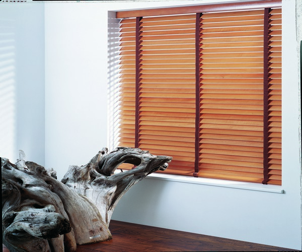 wood venetian blinds in west lothian.jpg