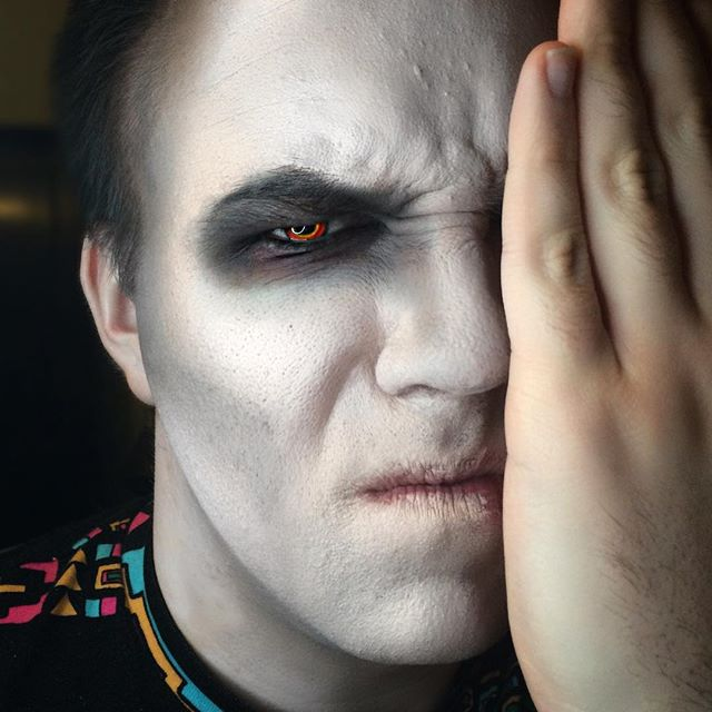 I may have cheated with some minor edits, but here is my Sith makeup test on @mcmuffin313 🤡😵🔥 #cosplay #makeup #makeuptest #sith #sithcosplay #sithlord #starwars #originalcharacter #facepaint #mehron #contour #badass #transformation #makeuptransformation