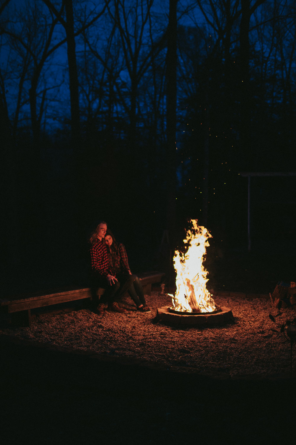 campfire-engagement-photos-fredericksburg-virginia-wedding-photographer
