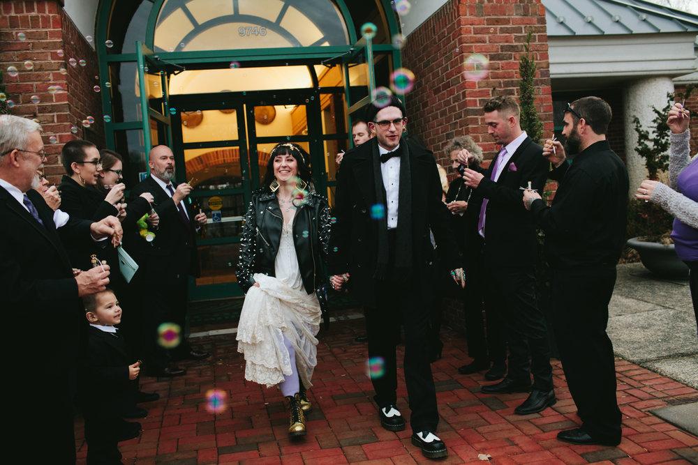 vegan-virginia-rock-n-roll-wedding-133.jpgnorthern-virginia-botanical-garden-wedding-meadowlark-garden-wedding
