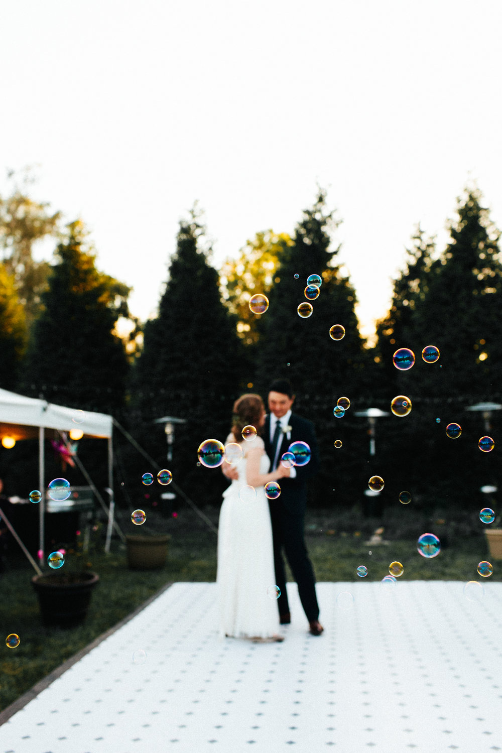 bubble-machine-wedding