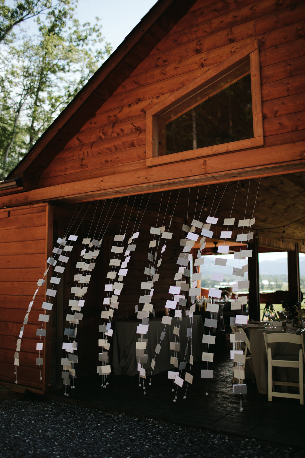 cabin-wedding-decor