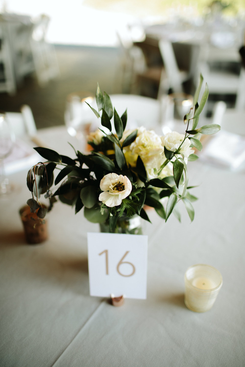 eco-friendly- minimalist-wedding-decor-17.jpg