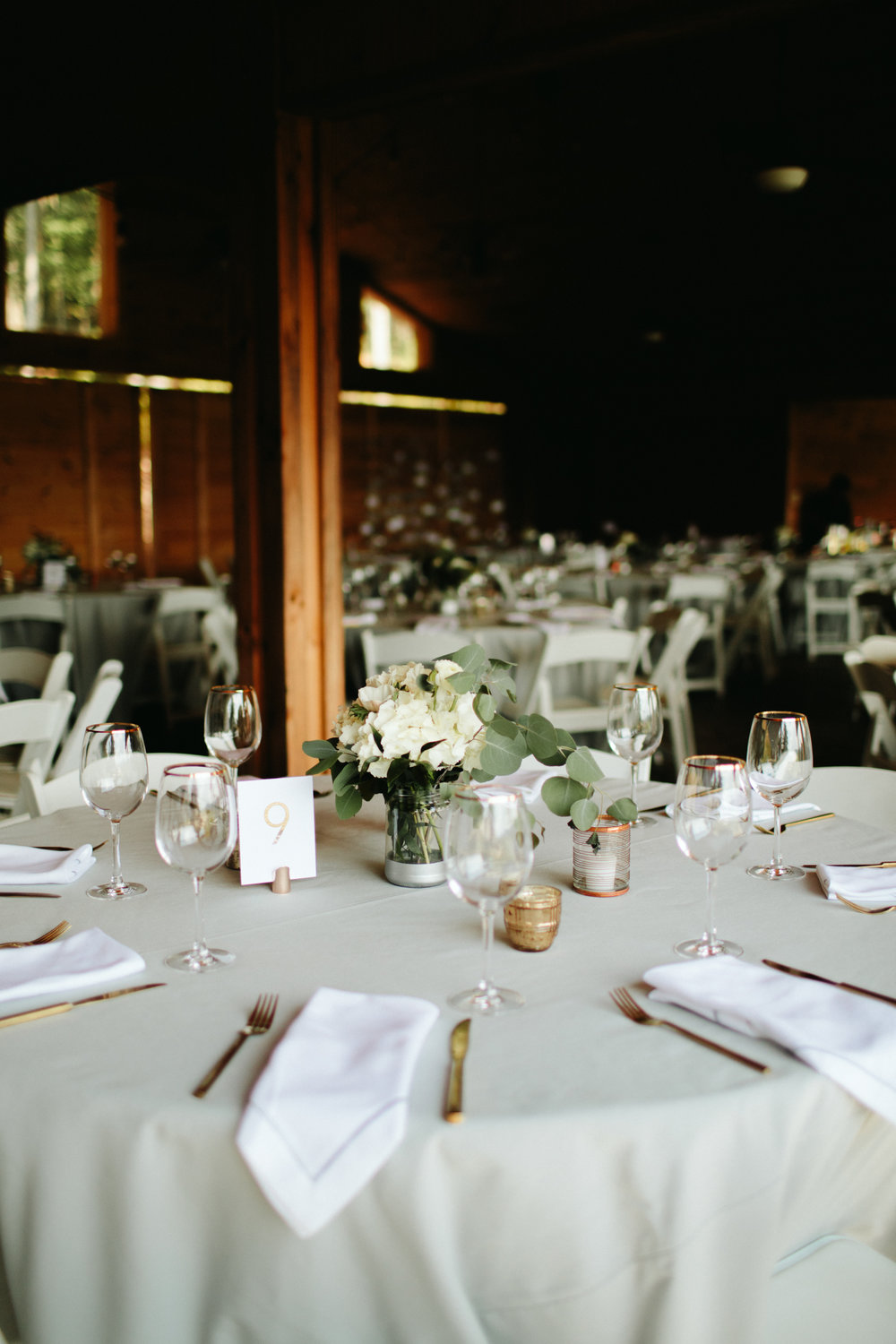 eco-friendly- minimalist-wedding-decor-16.jpg