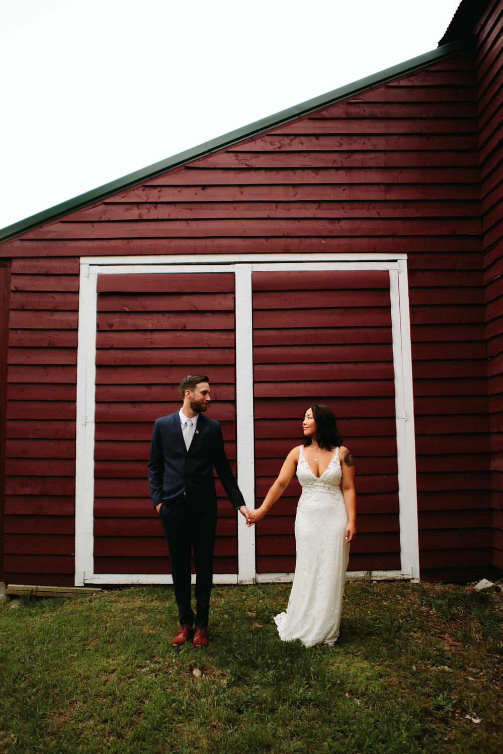 wedding-couple-in-brookfield-nh