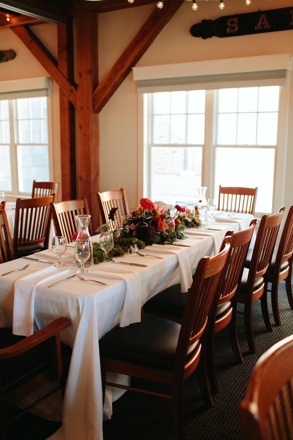 woodsy-wedding-table-maine