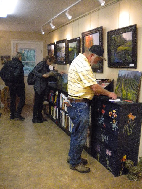 Checking the selections during the Art Crawl