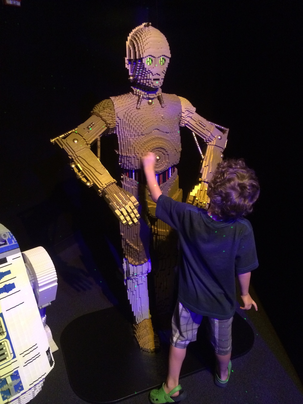C3PO is taller than Tag!