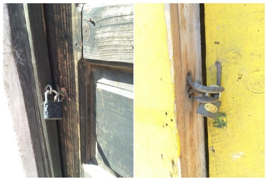 Exterior front door locks.