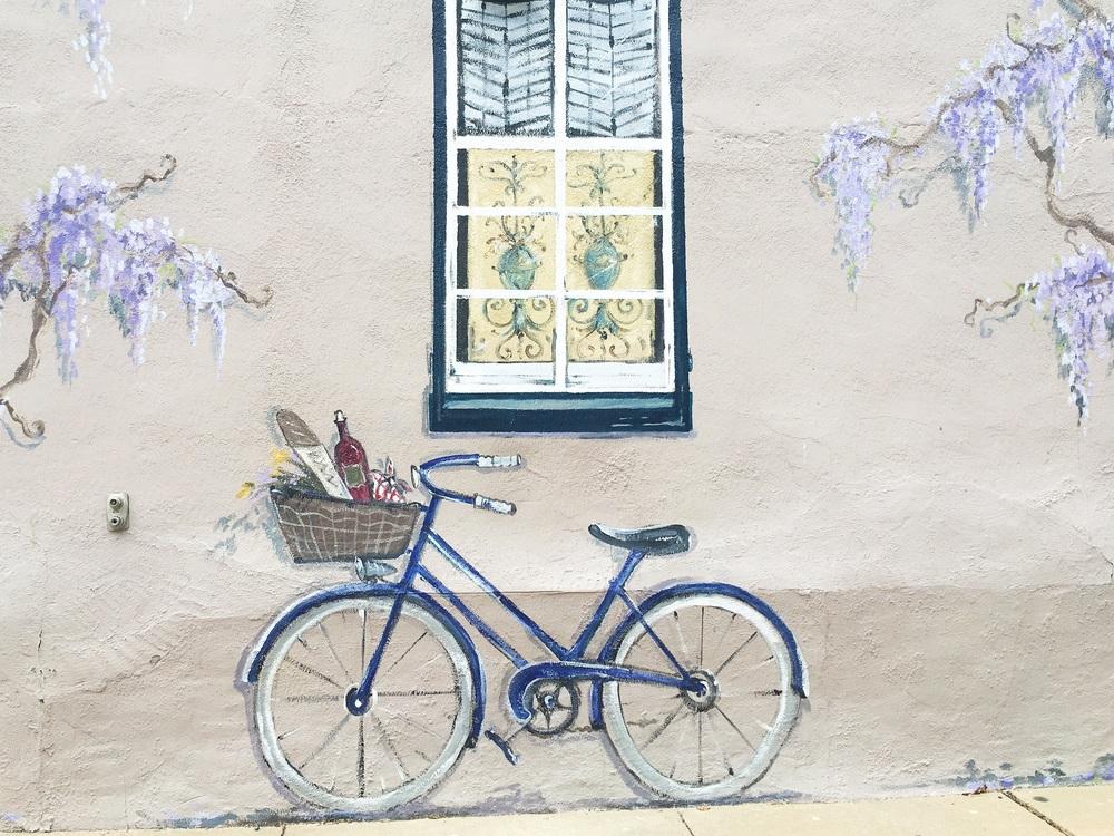 adorable mural.