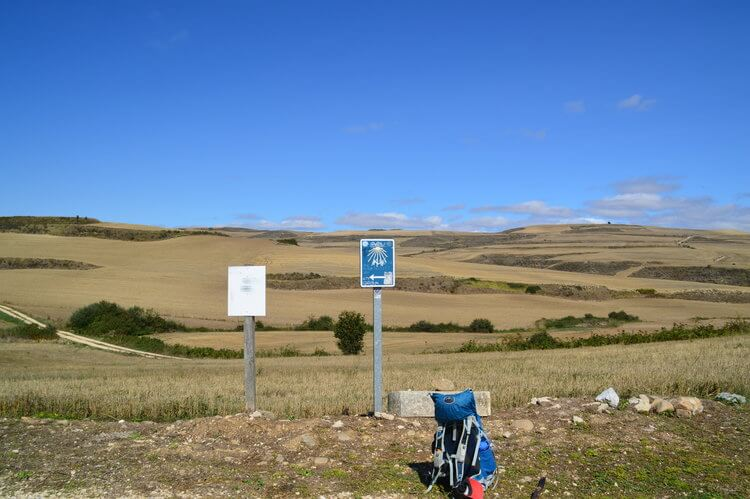 How to buy a backpack. Backpack for the Camino
