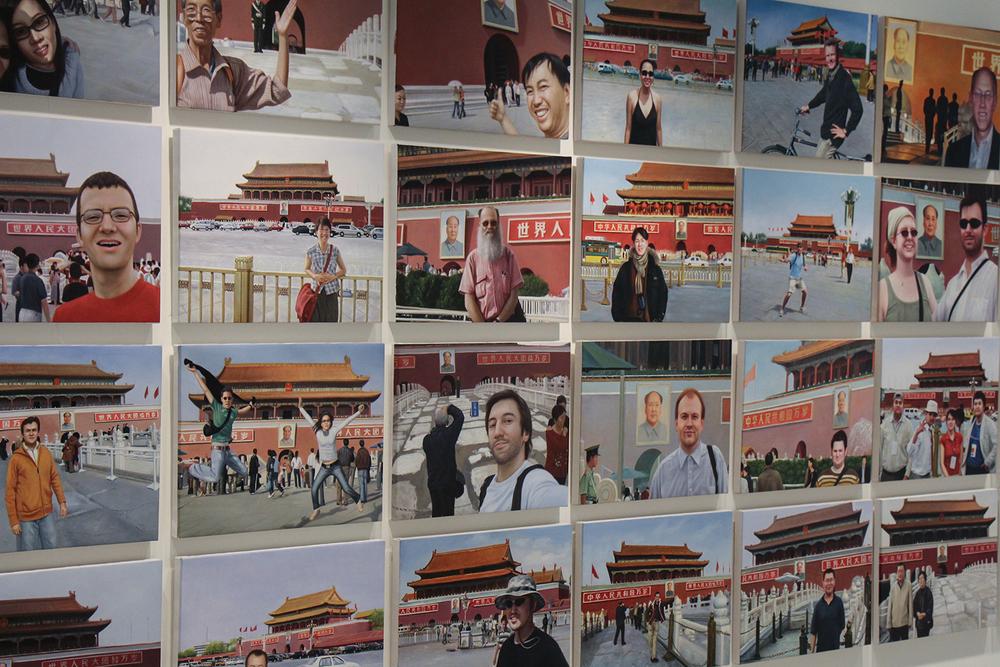 Notícias de Lugar Nenhum (Made in China) (detalhe) •2010 •40 óleos sobre tela• 37 x 50 cm (cada)• Coleção MAC-USP - Museu de Arte Contemporânea da Universidade de São Paulo