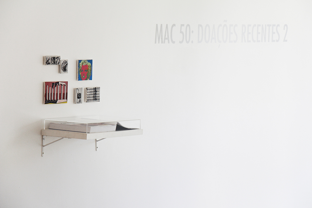 Páginas 648 e 649 (Série Foi Assim Que Me Ensinaram) • 2012 •Livro emoldurado, óleo sobre tela •31,5 x 46,5 cm (livro), 11,5 x 11,5 cm; 11,5 x 17,5 cm; 8 x 11,5 cm; 5,5 x 7 cm; 8,5 x 6 cm; 4,5 x 11,5 cm •Coleção Museu de Arte Contemporânea - São Paulo