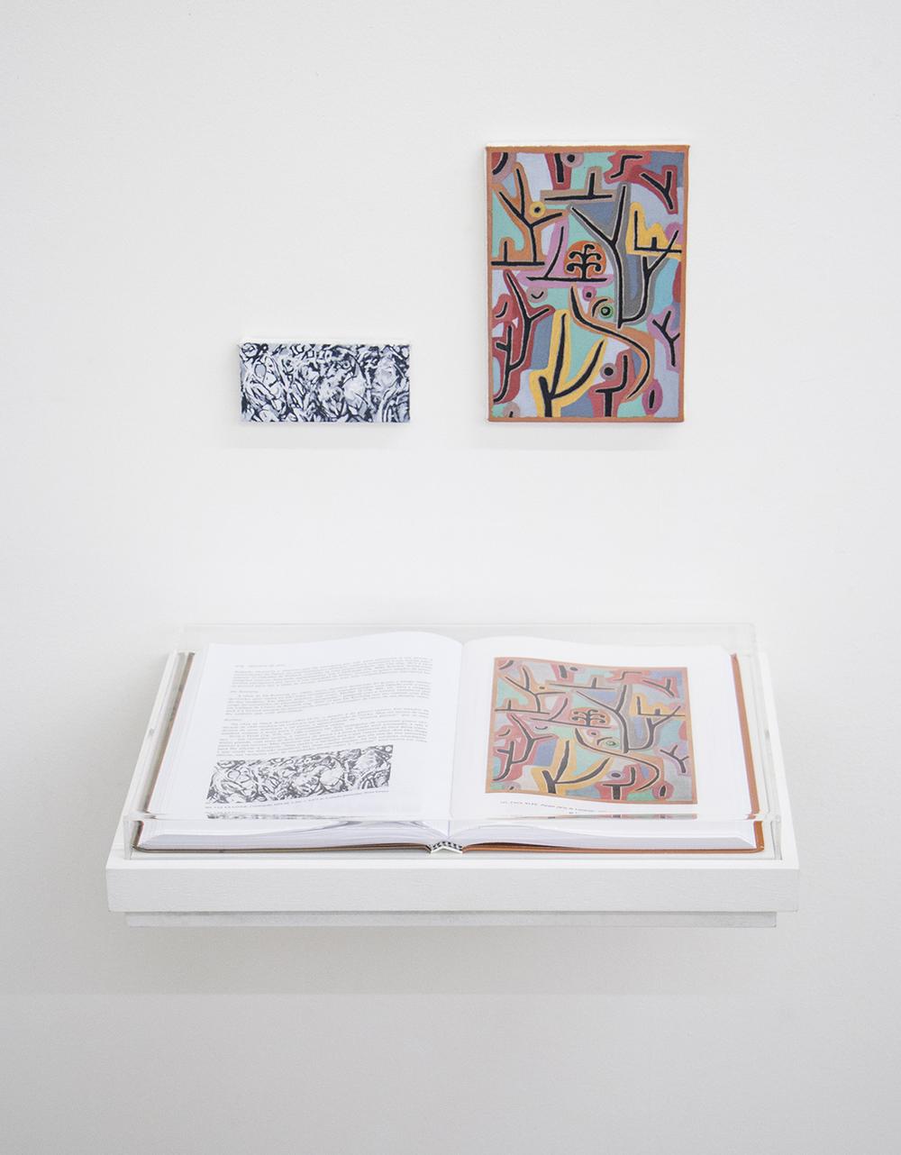 Páginas 976 e sem número (série Foi Assim Que Me Ensinaram) •2014 •Livro emoldurado, óleo sobre tela •30 x 42 cm (livro), 11,5 x 5,5 cm, 13,5 x 19 cm