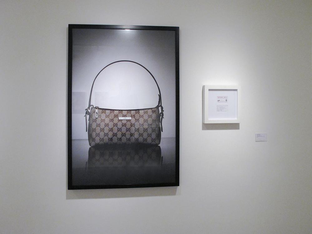 Gucci: R$ 105,00 (série O Que Te Seduz) •2003/2004 •Fotografia, impressão digital, recibo de compra •120 x 80 cm, 30 x 30 cm (díptico)