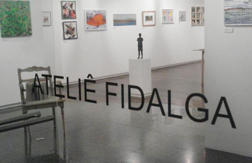 Group show with small format works by the artists of Ateliê Fidalga at Carlos Carvalho Gallery in Lisbon, Portugal. September and October 2009. Work shown: Gobbis x Elaine (2008).