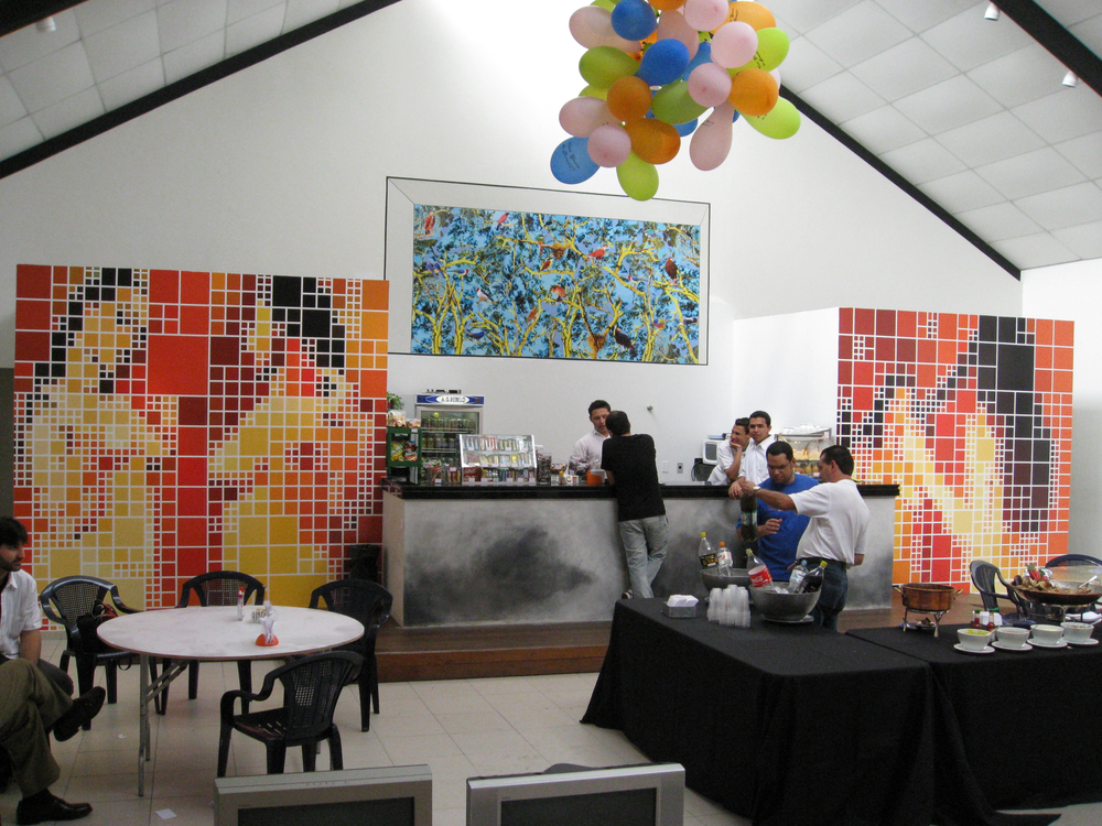 "Entorno De (Nos Limites da Arte)  .   Group show at   Funarte, São Paulo, October and November 2009. Coordination by Albano Afonso and Sandra Cinto.   Work shown: ""Four Resemblant Nudes, Two After Picasso""."