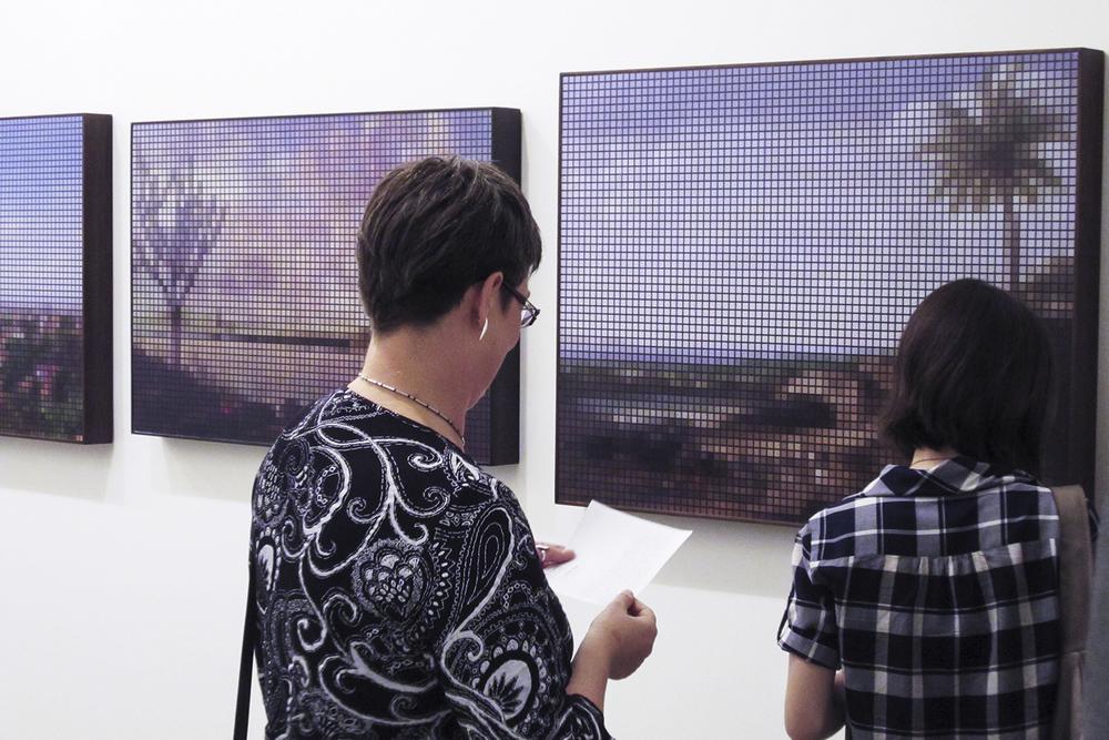 Geração 00 – A Nova Fotografia Brasileira  , exposição c  oletiva com curadoria de Eder Chiodetto, no SESC Belenzinho, em São Paulo. Abril de 2011.