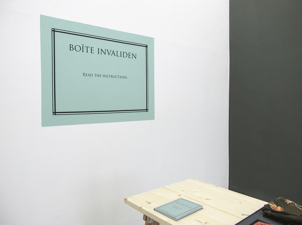 Boite Invaliden  : exposição coletiva na Invaliden1 Gallery, em Berlim, Alemanha. Junho de 2011.  Projeto de curadoria de Paulo Reis, com obras interativas transportadas desde São Paulo até a galeria em Berlim em uma valise.