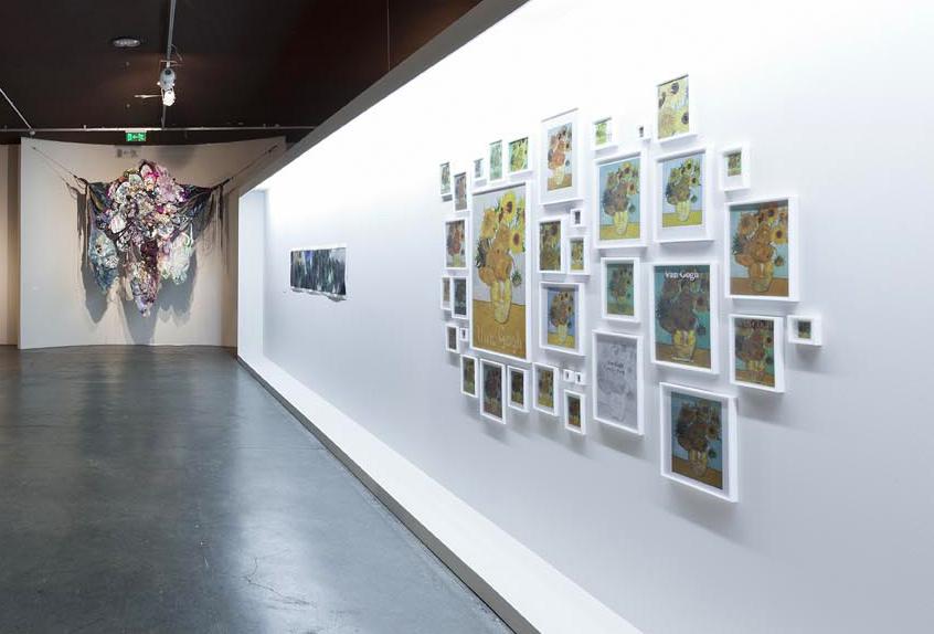 Exposição  coletiva  Entre Dois Mundos    no Museu Afro Brasil, São Paulo.  Curadoria Emanoel Araújo. Fevereiro 2014.  Foto: Ding Musa