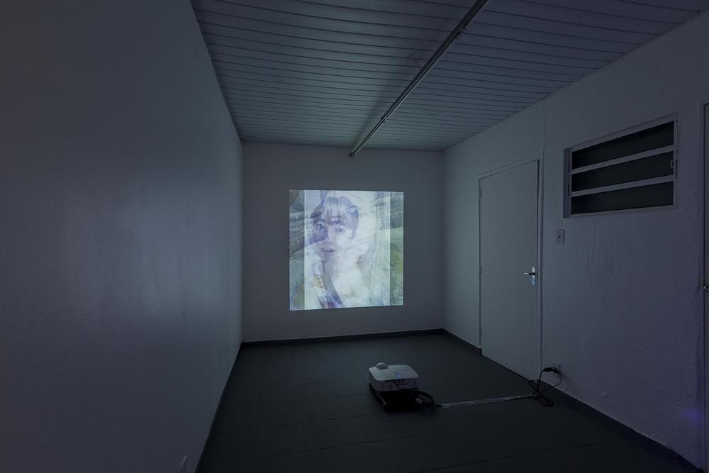 Exposição coletiva 2 Anos de Projeto Fidalga •Sala de Exposição Projeto Fidalga • São Paulo • Setembro de 2014 •Foto: Ding Musa •Clique na imagem para ver o trabalho Imagens Surradas (Selfie)